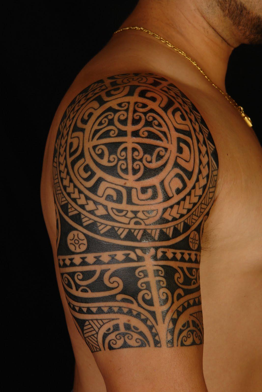 Shane tattoos polynesian shoulder tattoo on anthony for Hawaiian tattoos ideas