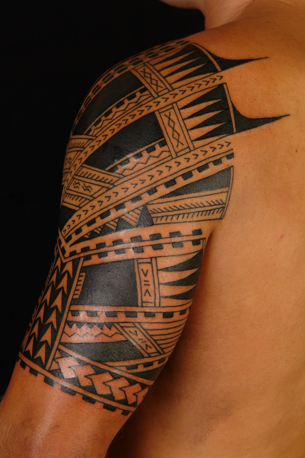 maori polynesian tattoo polynesian samoan half sleeve. Black Bedroom Furniture Sets. Home Design Ideas