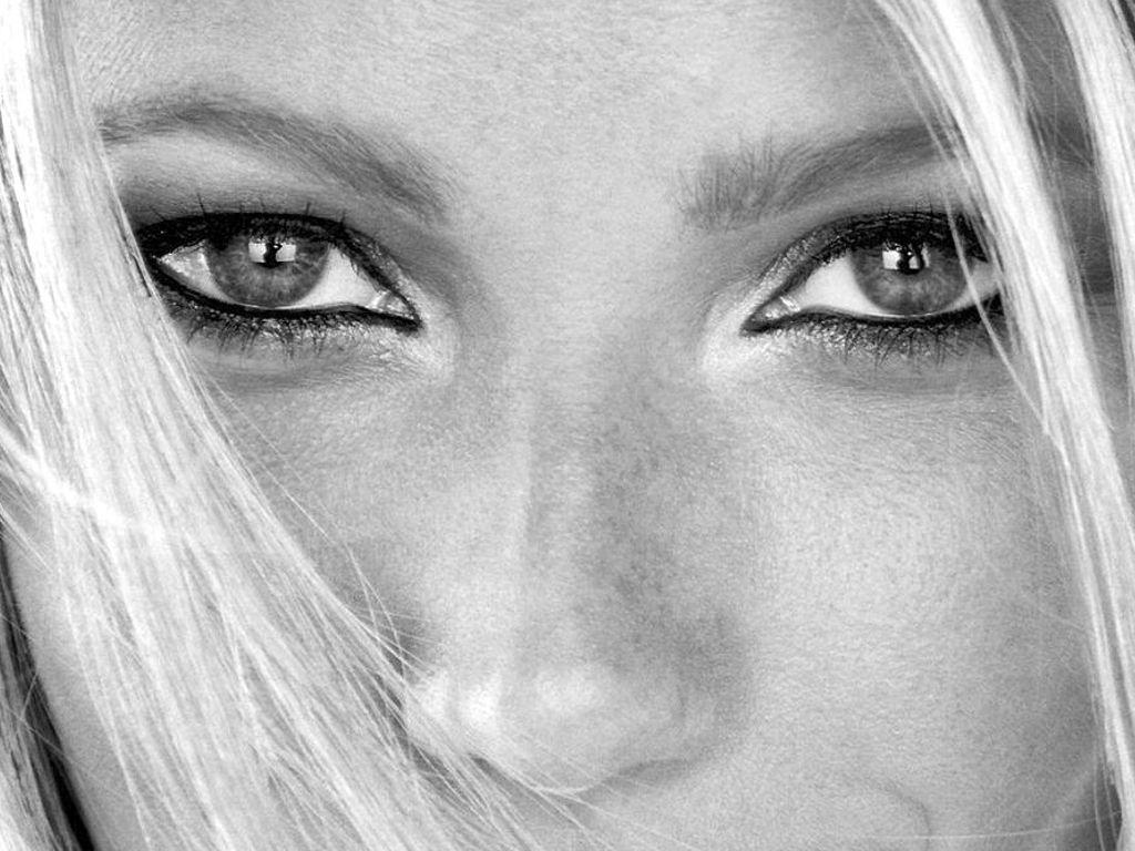 http://3.bp.blogspot.com/_uf_7mlq4R0E/TVMEMp8mwpI/AAAAAAAAAiA/nk_jGKGXM1k/s1600/Gwyneth-Paltrow-12.JPG