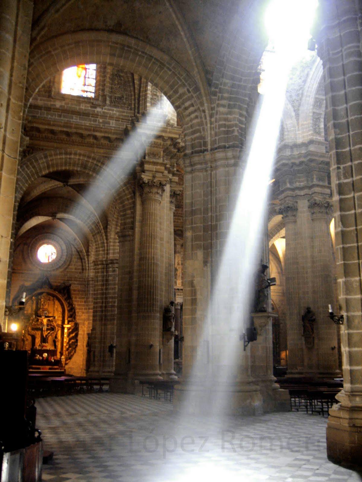 http://3.bp.blogspot.com/_ugR8JTMywtE/SwZPvuXccLI/AAAAAAAAAPo/WbELaIzaGII/s1600/00003+-+Catedral+copia.jpg+Blog.jpg