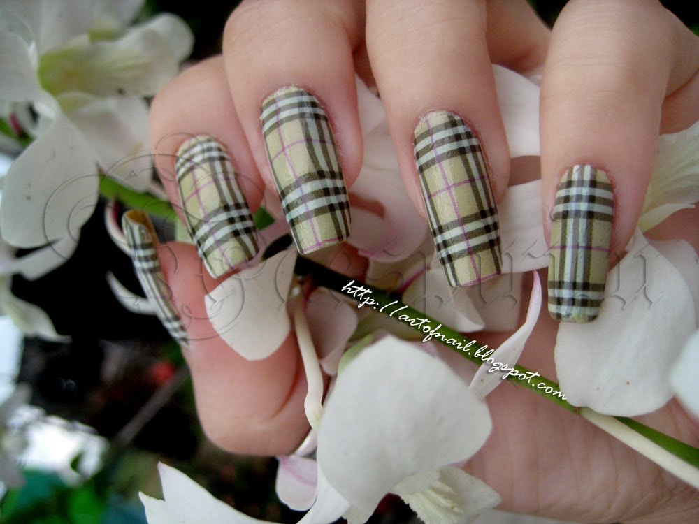 Nail Art Design: Louis Vuitton and Burberry Nails 2011