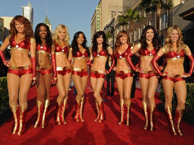 Las Bailarinas De La Premier De La Pelicula De Iron Man 2