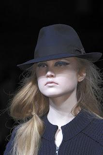 сиво - Облекло, мода, елегантност - Page 2 Lg012