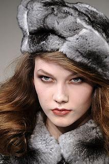 сиво - Облекло, мода, елегантност - Page 2 Lg027