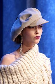 сиво - Облекло, мода, елегантност - Page 2 Lg037