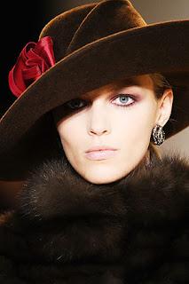 сиво - Облекло, мода, елегантност - Page 2 Lg047