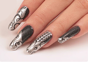 man7 Stylish manicure silver nail polish silver manicure silver brocade varnish nails in silver lacquer nail art moder decoration of manicure manicure in silver shades manicure in gray