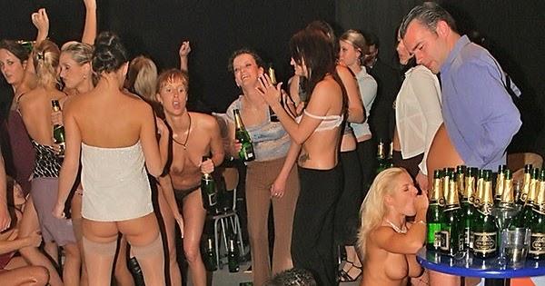 Tall nude women having sex