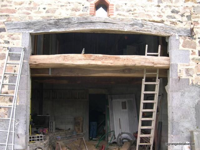 La grange de la biesse solivage en ch ne for Remplacer porte interieur renovation