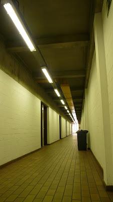 Couloir du deuxième étage du bâtiment Arts et Métiers de Bruxelles