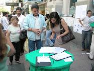 Intendente Gutierrez, firmando compromiso PUA.
