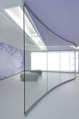 Il vetro e lacciaio: Pareti curve in vetro