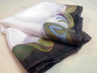 céges ajándék ötletek külföldi partnereknek: kézzel festett selyemsál