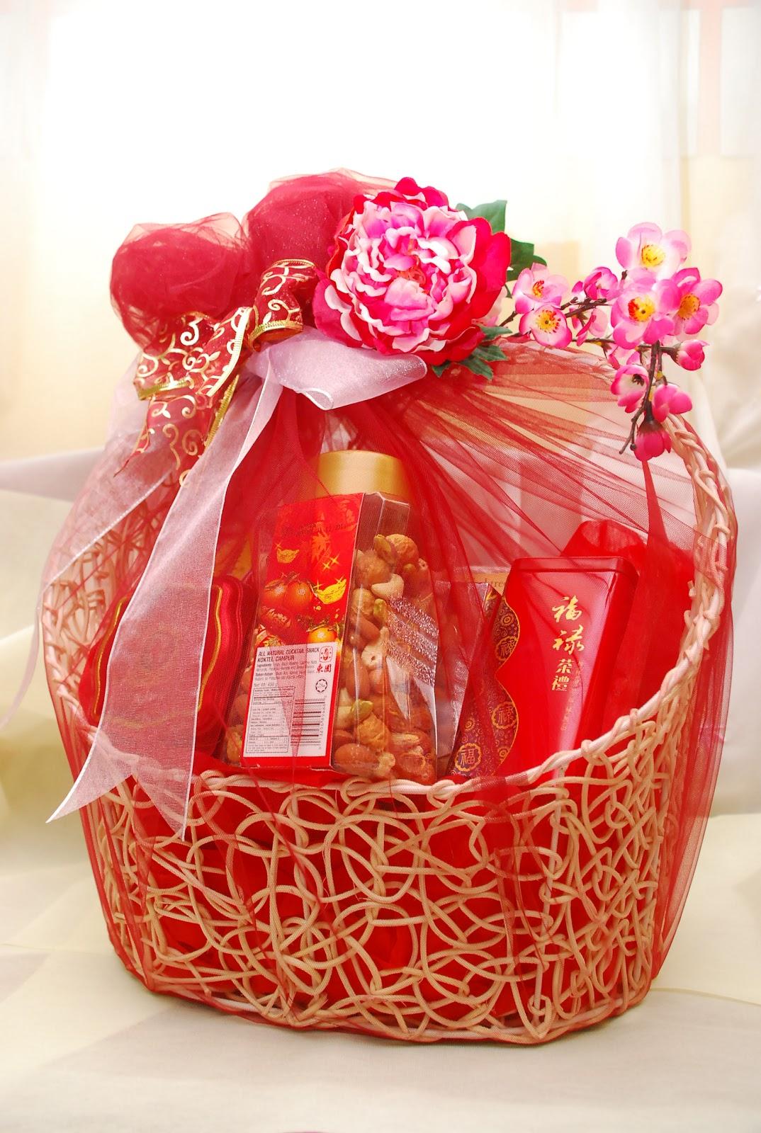 hamper gift basket wedding gallery chinese new hampers. Black Bedroom Furniture Sets. Home Design Ideas