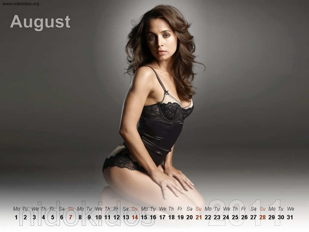 http://3.bp.blogspot.com/_urZCQQZj50Y/TR1p1RqpogI/AAAAAAAAAbA/hpBr-aKbJRk/s1600/Eliza+Dushk+Calendar+2011+%25288%2529.jpg