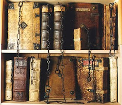 Bibliotecas con libros sobre pensamiento tradicional