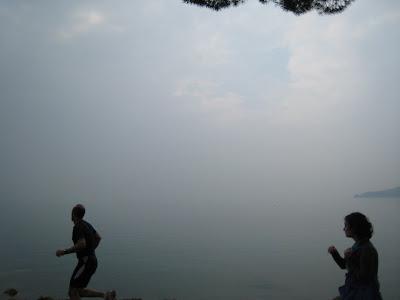 אגם גרדה חתיך גם כשיש ערפל