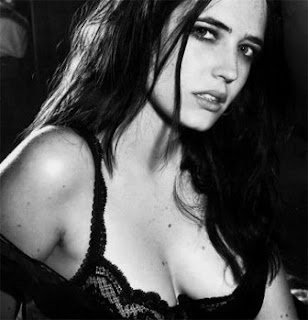 eva green shows bush