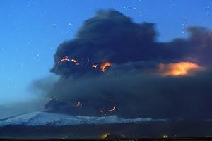 Εκπληκτικές φωτογραφίες του ηφαιστείου