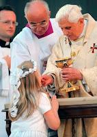 http://3.bp.blogspot.com/_uwESM5f4ccg/S9XNv8CM31I/AAAAAAAAAHs/a_MUR5ZpsWY/s400/communion_pope.jpg