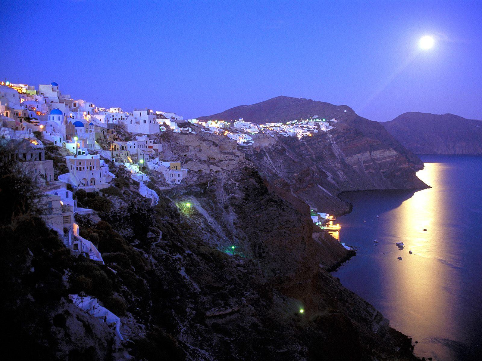 http://3.bp.blogspot.com/_uwy98ZWgnzA/TQNYPR_ECII/AAAAAAAAAhY/3aRtigicCok/s1600/Moonrise_Over_Santorini_Greece.jpg