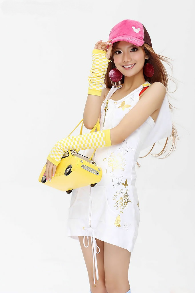 http://3.bp.blogspot.com/_uxK9p1iezm4/TF1EDF3HieI/AAAAAAAAGUE/A9APqO-wjNA/s1600/Ye-Xiqi-chinese-singer-8.jpg