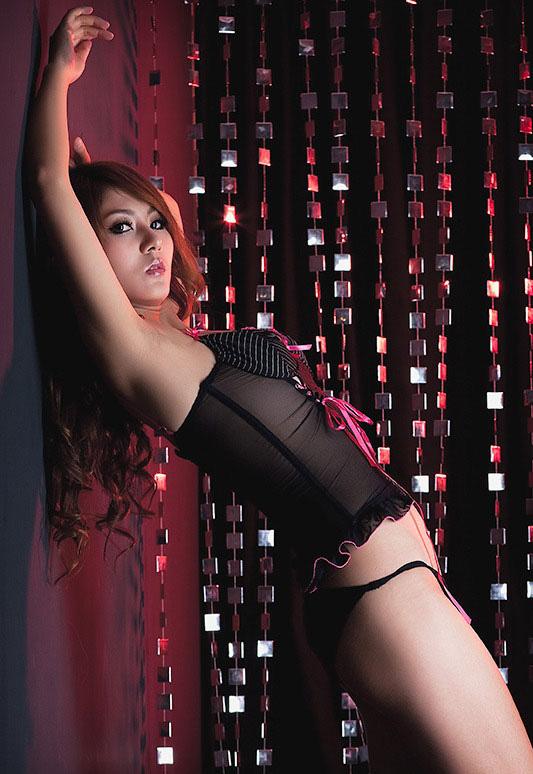 http://3.bp.blogspot.com/_uxK9p1iezm4/TFQtEJNweLI/AAAAAAAAF1A/v1t8D9ZdIdw/s1600/Moko-Girl-Zhou-Wei-3.jpg