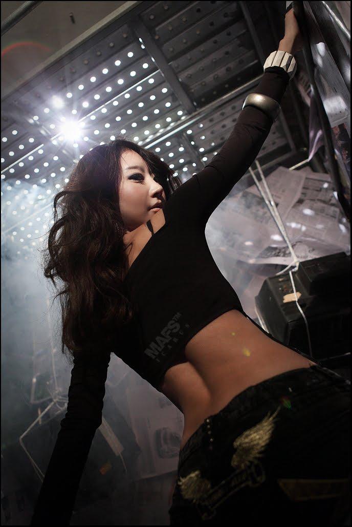 Asian Hot Celebrity: Hwang Mi Hee - Daisy Duke Style