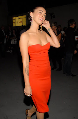 megan fox hot in red