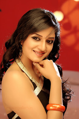Cute actress Vimala Raman