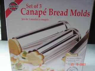 Yochana 39 s cake delight cinnamon raisin bread for Canape bread molds