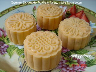 Yochana's Cake Delight! : Orange Chocolate Walnut Snow Skin Mooncake