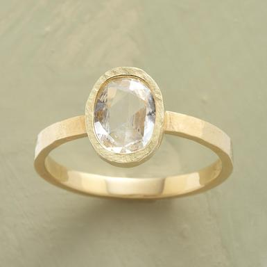 These Affordable Engagement Rings Are Actually Really Chic–And You Can Design Them Yourself picture