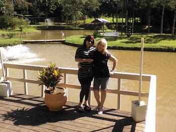 Com minha querida amiga Zezé.