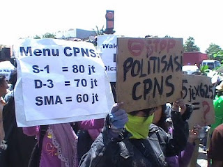 Demonstrasi pelaksanaan seleksi penerimaan CPNS