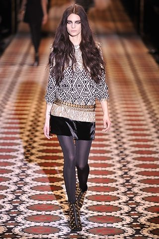 Gucci Ukrainian Geometrical Pattern Autumn Winter 2008 2009