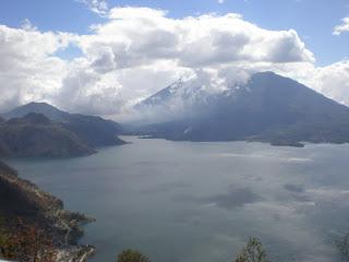 Lake Atitlan es  Muy Bonita!