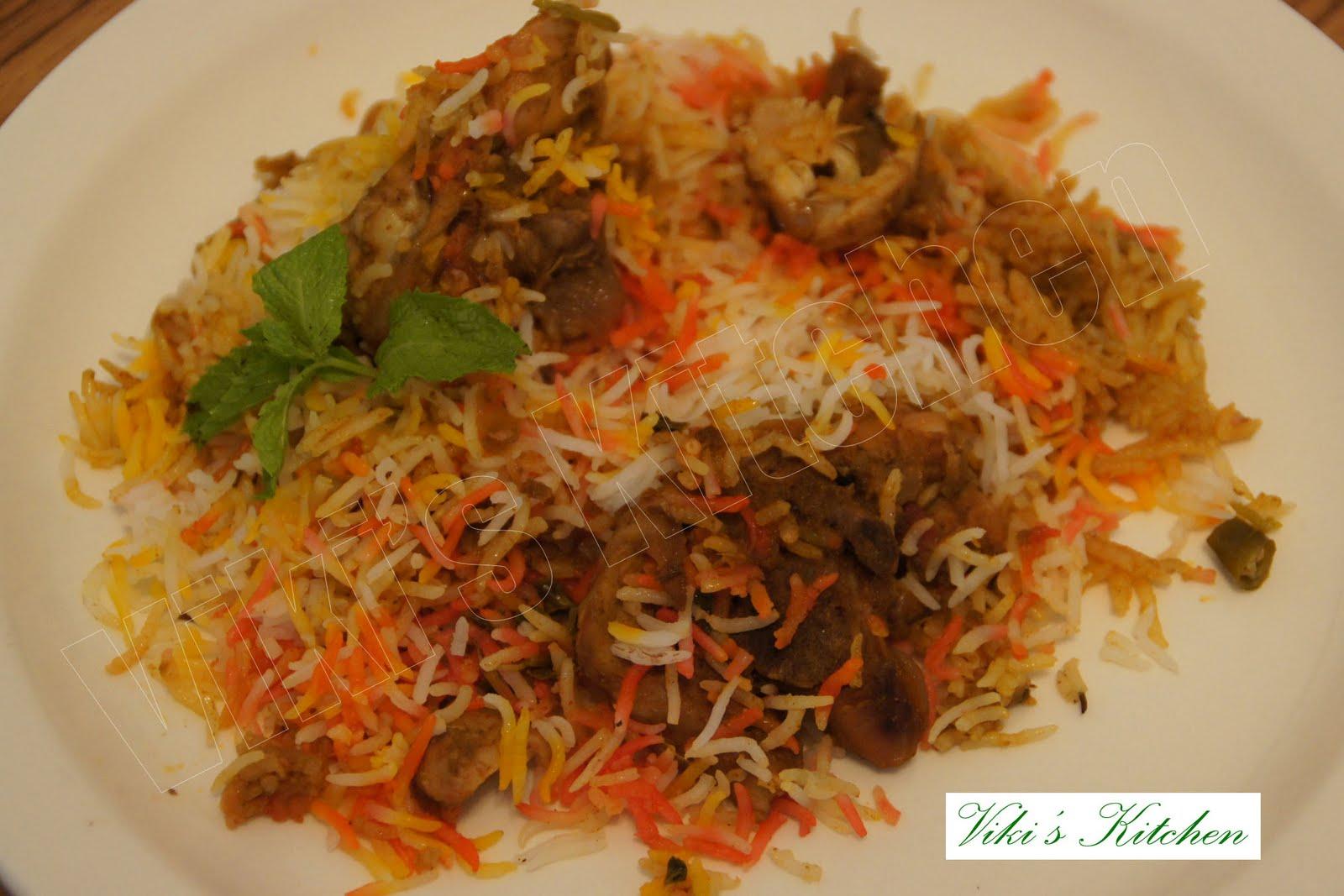 Viki 's Kitc... Hyderabadi Chicken Biryani