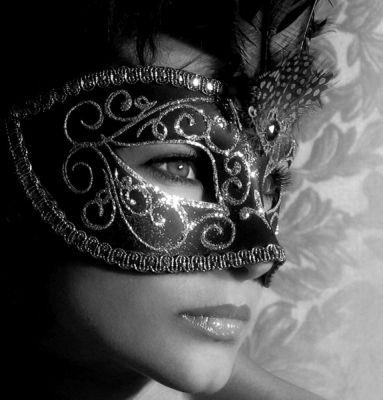 Los óleos etéricos para la persona la piel problemática de la máscara