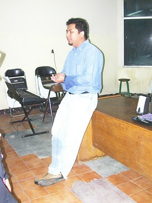 Saut P. Manullang, SKom, Choir Trainer & Conductor