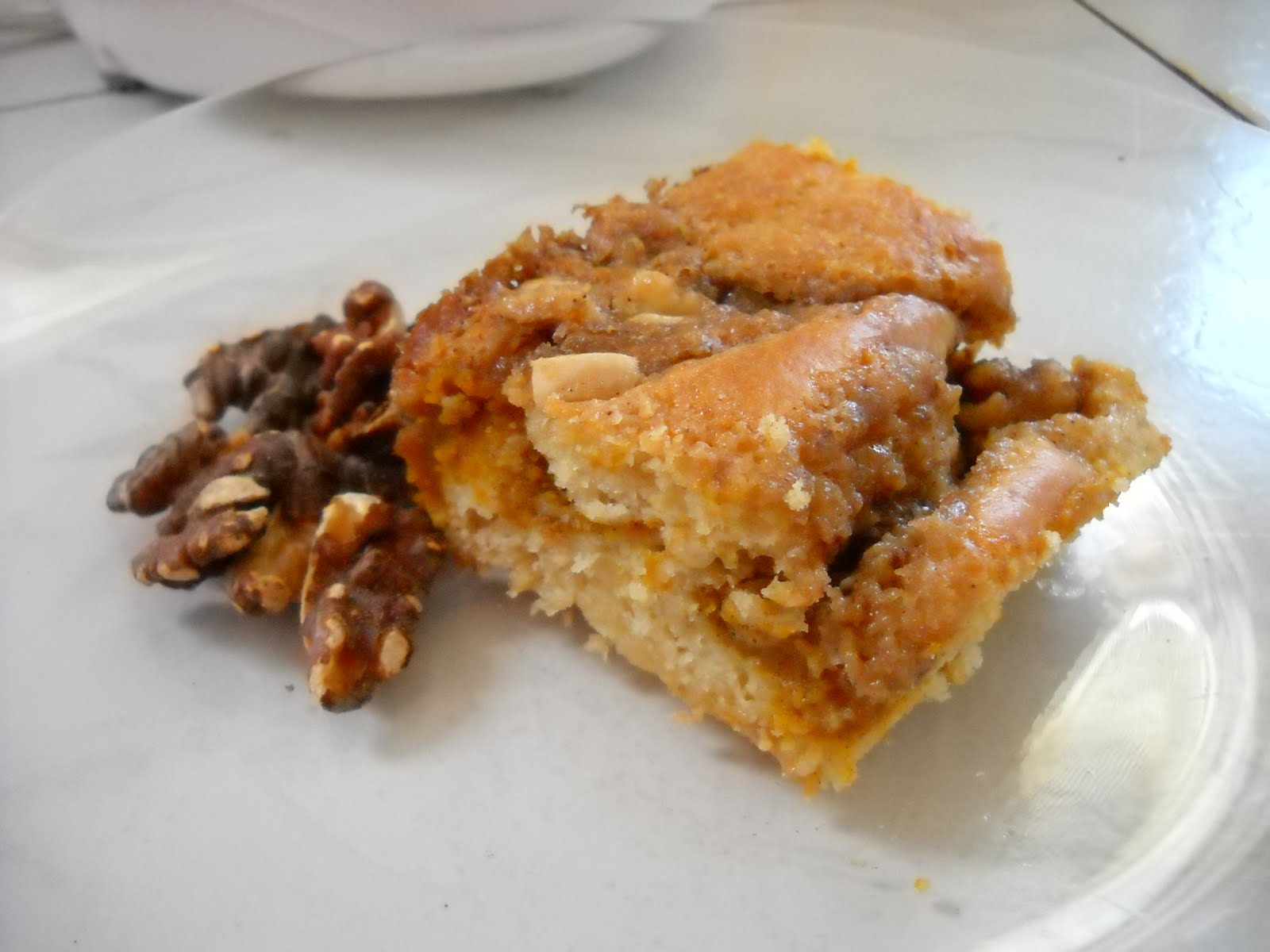 Banana Wonder No Thanksgiving Morning Is Complete Without It Sour Cream Pumpkin Coffee Cake