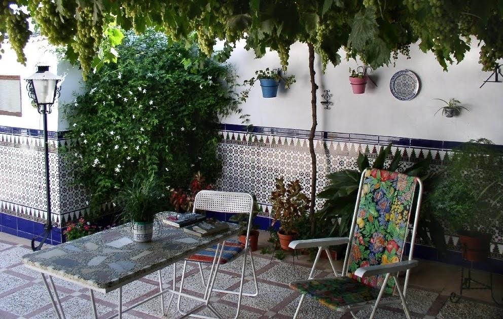 Albayana ideas el patio en la cultura mediterr nea - Azulejos patio andaluz ...