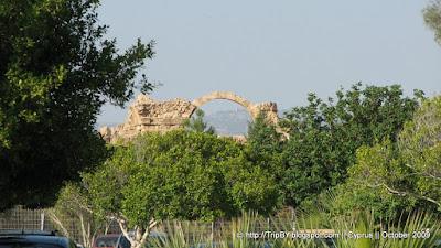 Вид на Саранта Колонес с ул. Апостола Павла