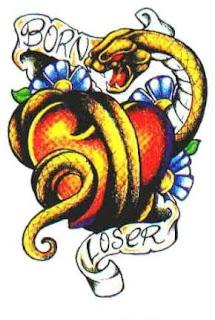 desenho de tatuagem de cobra enrolada em coração