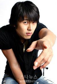 Hyun Bin (현빈)