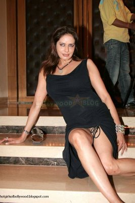 bollywood s wardrobe malfunctions celebriteis at risk