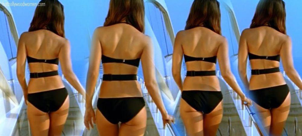 kareena kapoor hot bikini. Kareena Kapoor Hottest Bikini