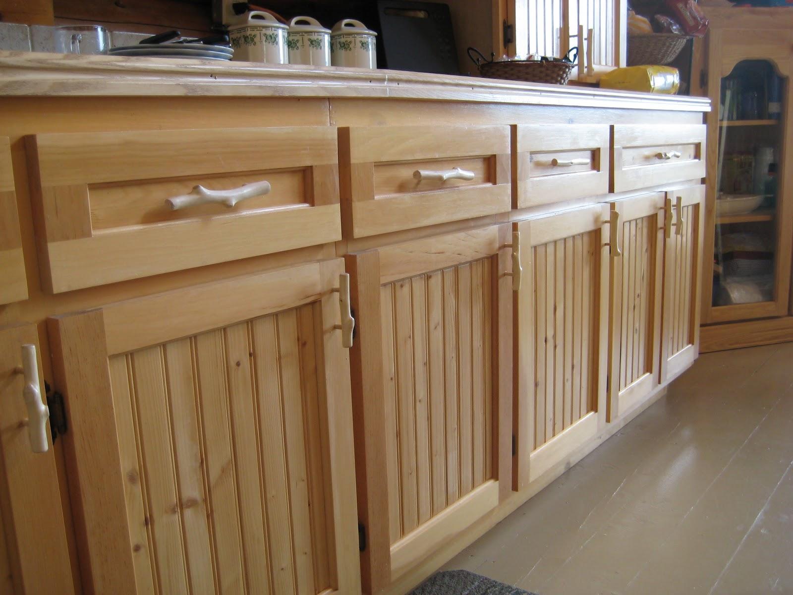 Bienvenue au lac st pierre l 39 int rieur la cuisine for Poignee de porte armoire cuisine