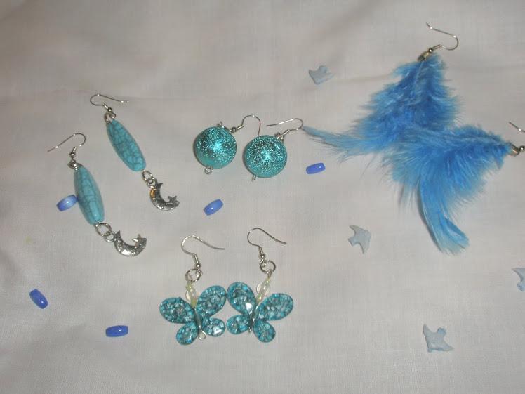 Brincos em tons de azul