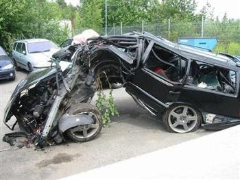 volvo crash photo